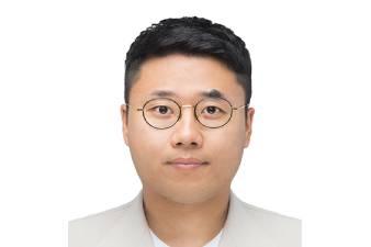 Sukwoong Choi